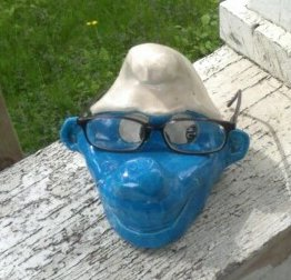 retro-handmade-smurf-holding-my-glasses
