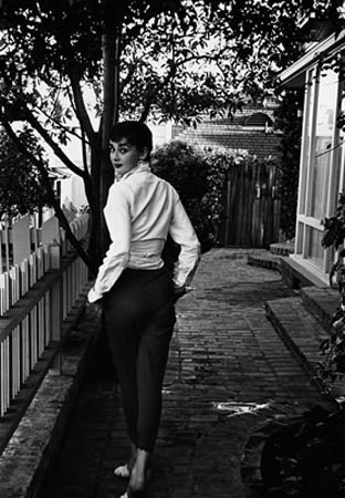 audrey-hepburn-1953-mark-shaw-photographer