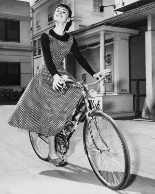 audrey-hepburn-in-dress-on-bike