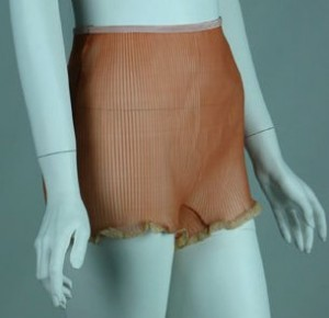knife-pleated-lace-edge-panties-from-the-1930s