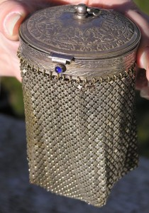 antique-metal-mandalian-mesh-bag